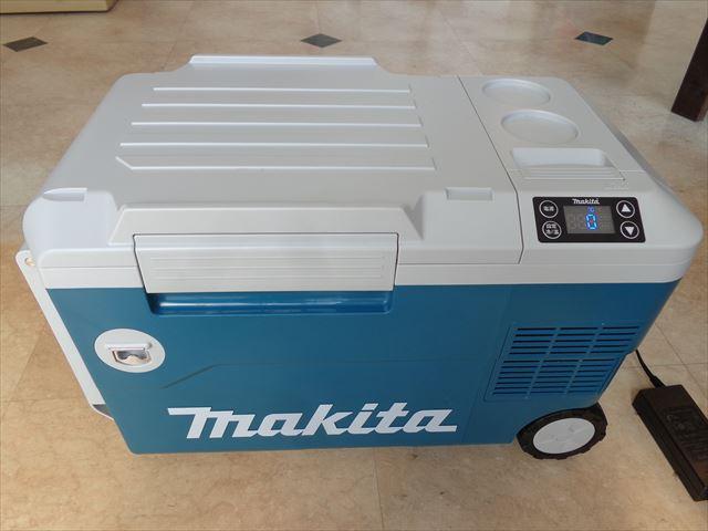 タナキカでは1日中使用しているので家庭用電源AC100Vを使用しています。